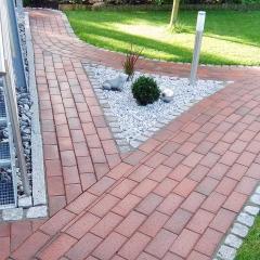 Klinkerpflaster mit Granit